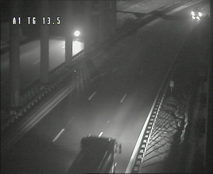 Traffic live webcam Luxembourg Senningen - A1 direction Luxembourg - BK 13.5
