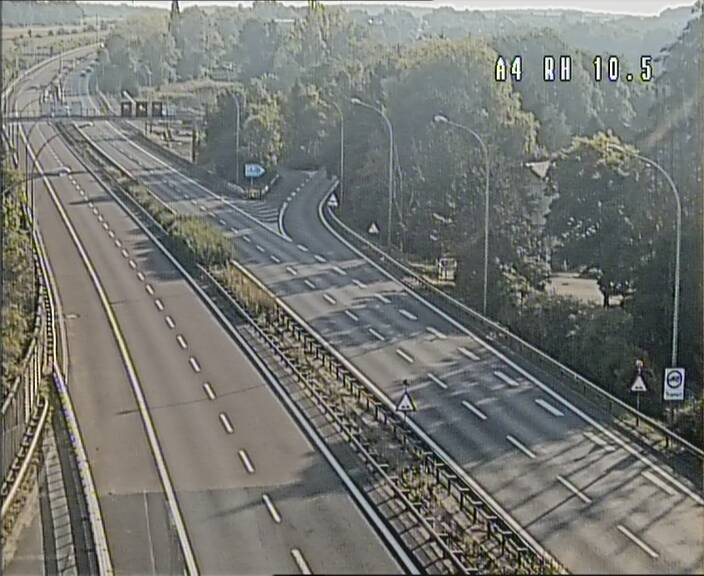 Traffic live webcam Luxembourg Pontpierre - A4 - BK 10.5 - direction Luxembourg