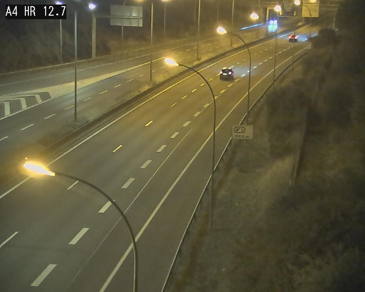 Traffic live webcam Luxembourg Esch sur Alzette - A4 - BK 12.7 - direction Esch-Belval