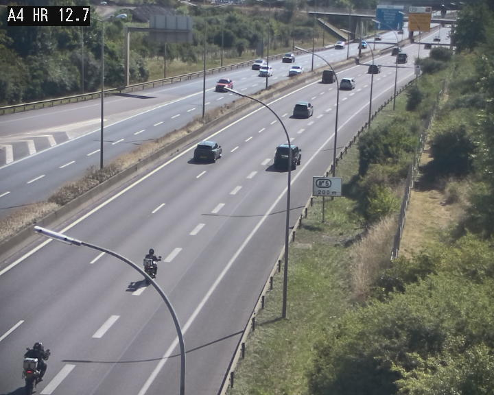 Traffic live webcam Luxembourg Esch sur Alzette - A4 - BK 12.7 - direction Esch-Belval