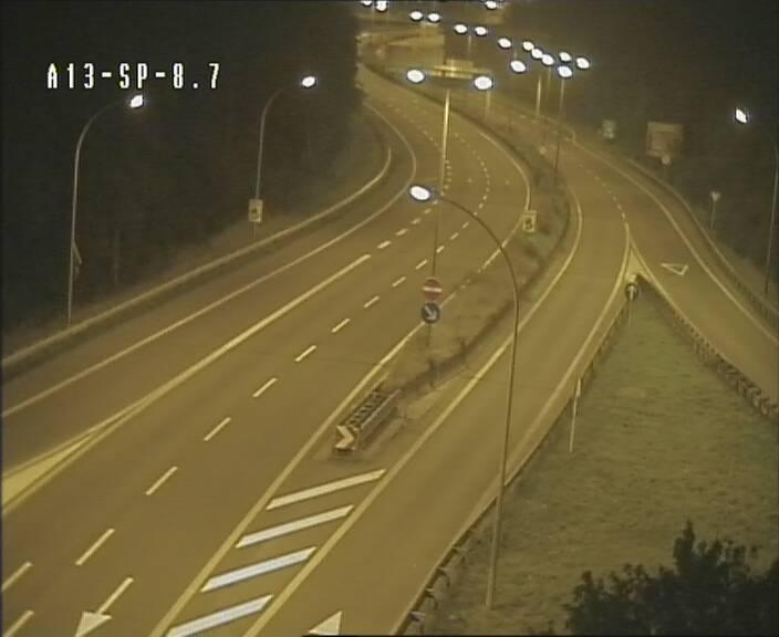 caméra 142