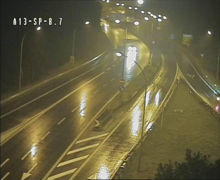 Traffic live webcam Luxembourg Jonction Lankelz - A13 direction Pétange - BK 8.7
