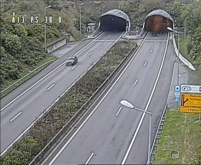 Webcam autoroute A13 à l'entrée ouest du tunnel Markusbierg à Schengen. Vue orientée vers le tunnel et l'Allemagne