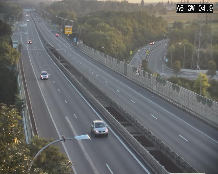 Traffic live webcam Luxembourg Croix de Cessange - A6 - BK 4.9 - direction Belgique