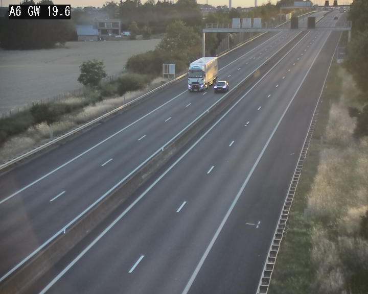 Traffic live webcam Luxembourg - Steinfort - A6 - BK 19.6 - direction Belgique