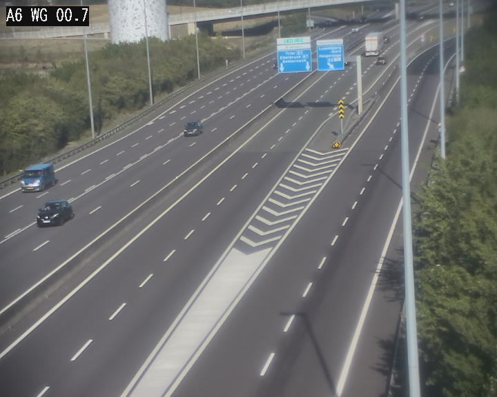 Traffic live webcam Luxembourg Croix de Cessange - A6 - BK 0.7 - direction A3 France