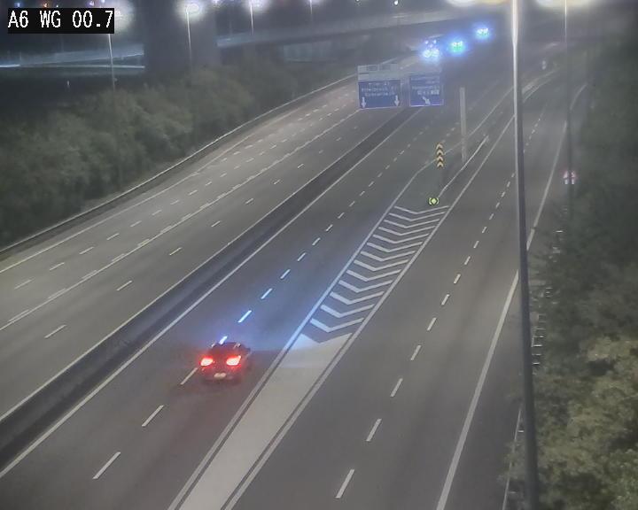 Traffic live webcam Luxembourg Croix de Cessange - A6 - BK 0.7 - direction A3 France