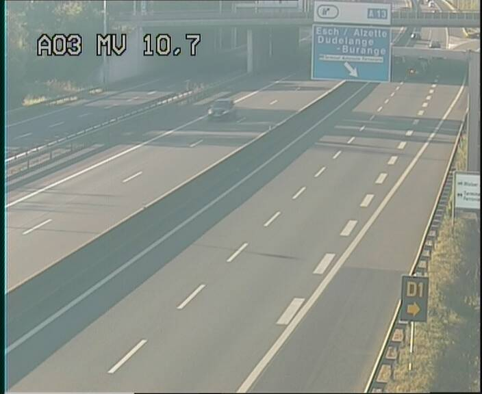 Traffic live webcam Luxembourg Croix de Bettembourg - A3 - BK 10.7 - direction France