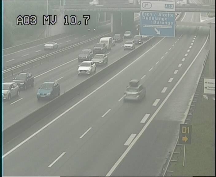 Traffic live webcam Luxembourg Croix de Bettembourg - A3 - BK 10.7 - direction France
