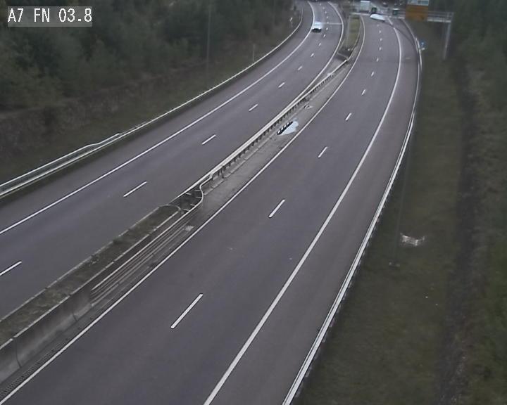 Caméra autoroute Luxembourg A7 - Passage à gibier Rëngelbour - direction Tunnel Stafelter