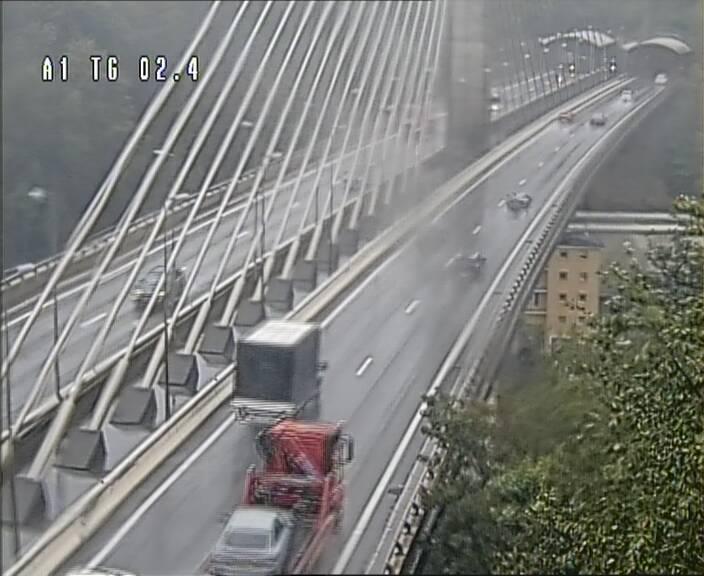 Traffic live webcam Luxembourg Sandweiler - A1 direction Luxembourg-ville - BK 2.4